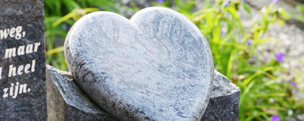 Maatwerk natuursteen grafsteen, grafmonument | Aries Natuursteen