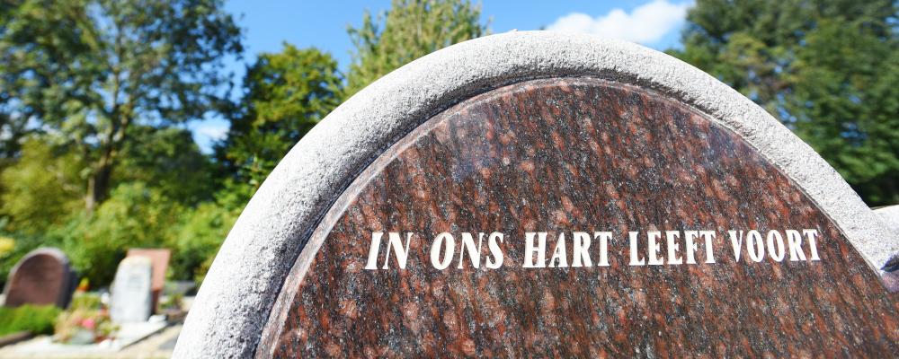 Natuursteen grafsteen, grafmonument | Aries Natuursteen