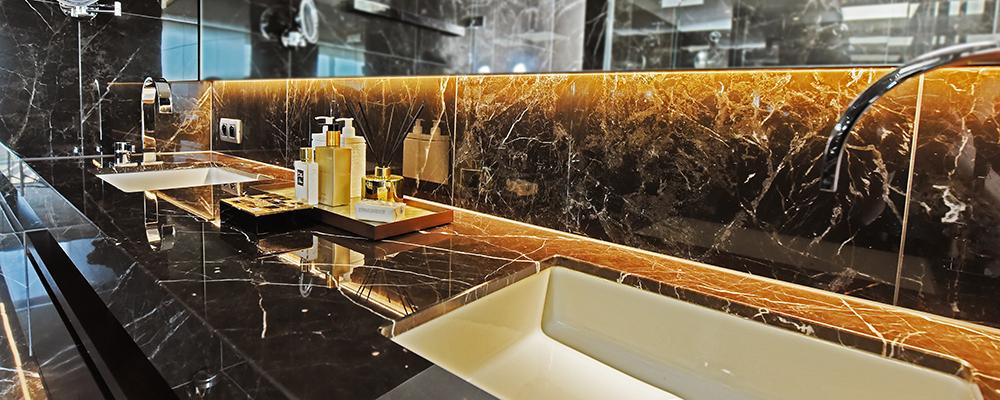 Natuursteen badkamer | Ariës Natuursteen